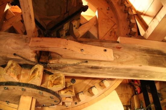 Beautiful oak workings of Luizenmolen